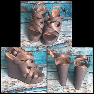 Vince Camuto Grey Wedges